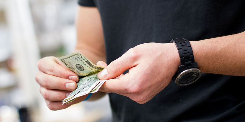 What is the importance of being financially righteous?